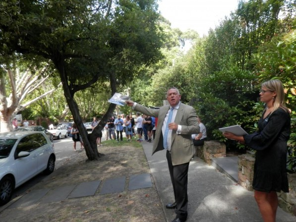 Somebody is still doing teh business, Jeremy Fox gets 13 Wilks Avenue Malvern away over $6million, after auction. 2 bidders